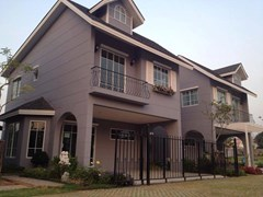 Winston Village - House - Pattaya East -